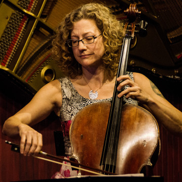 Catherine Bent am Cello
